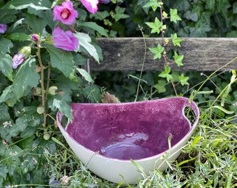 coloured oval bowl with handle
