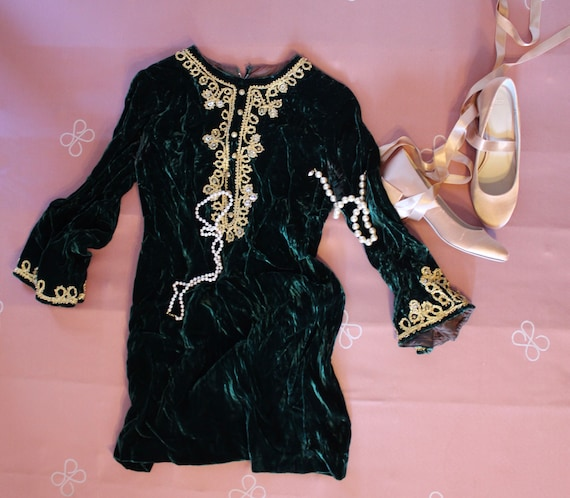 Emerald Green Vintage Velvet Dress