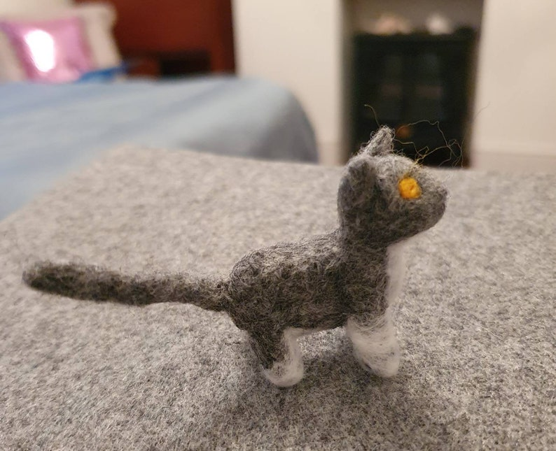 handmade to order brooches keyrings or just because. Needle felt Your cat in miniature