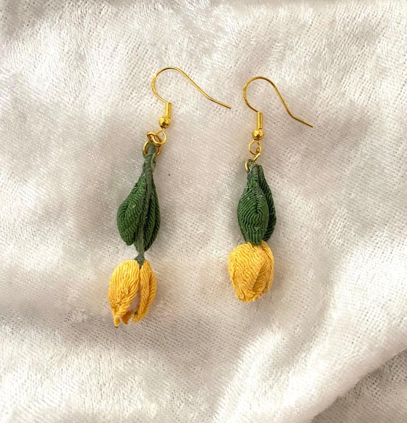 Tulips earrings Japanese traditional fabric flower Tsumami-zaiku