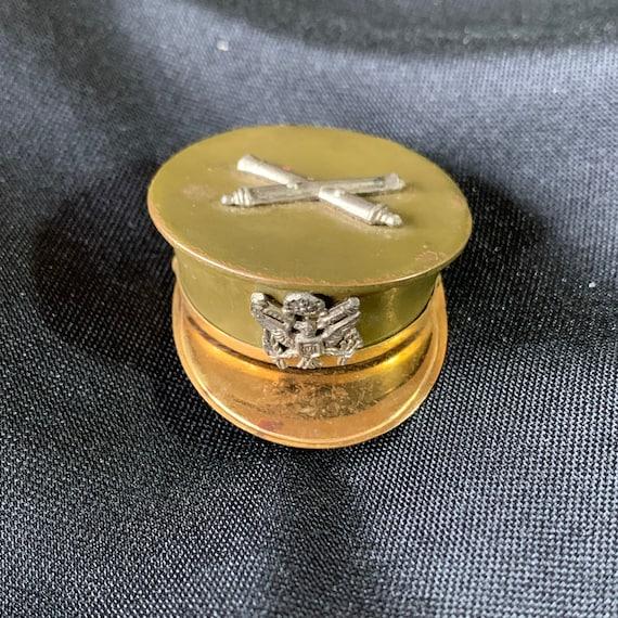 """WWII Field Artillery Hat Locket Pin - """"Sweetheart"""