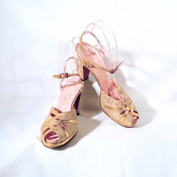 1940s Gold Leather & Brocade Peep-Toe Platform San