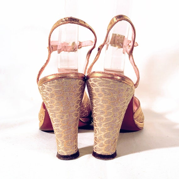 1940s Gold Leather & Brocade Peep-Toe Platform Sa… - image 8