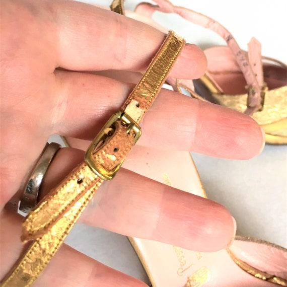 1940s Gold Leather & Brocade Peep-Toe Platform Sa… - image 10