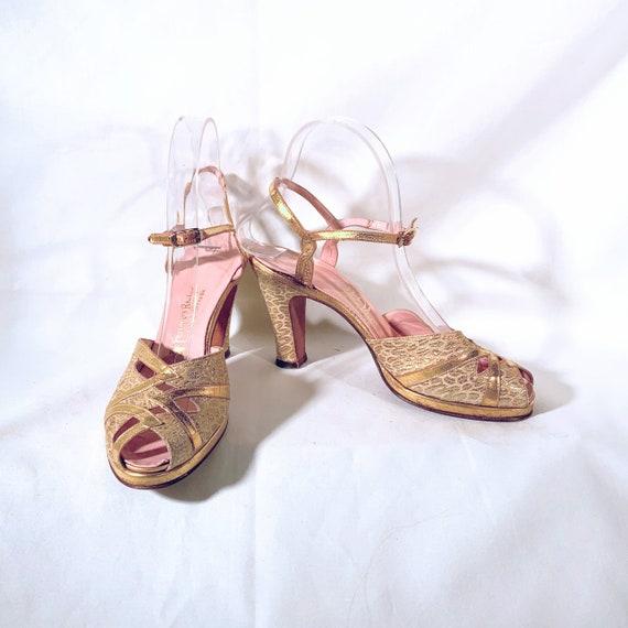 1940s Gold Leather & Brocade Peep-Toe Platform Sa… - image 3