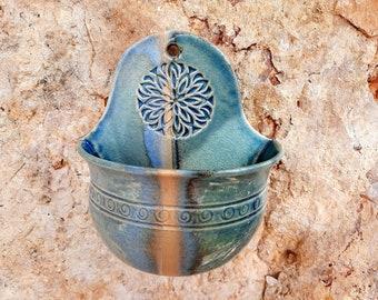 Salt barrels, pottery wall vessel, kitchen utensils