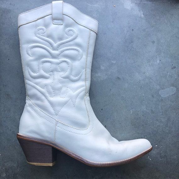 Vintage white leather cowboy boots size 37 - image 1