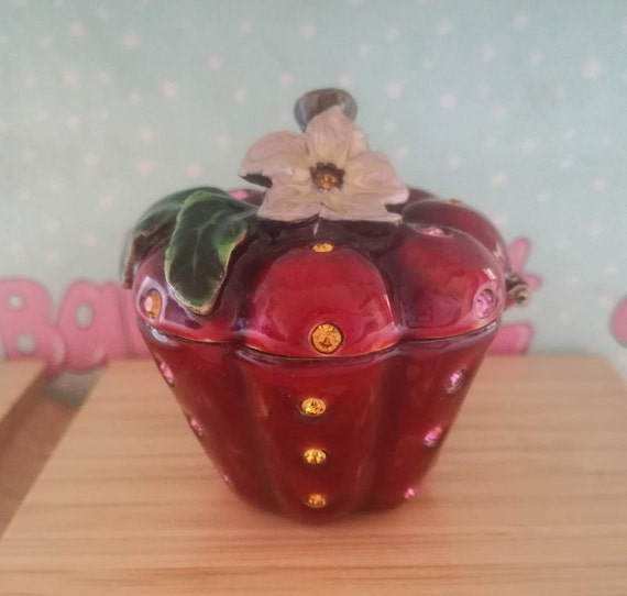 Miniature Apple jewerlty box - Enamel apple figure