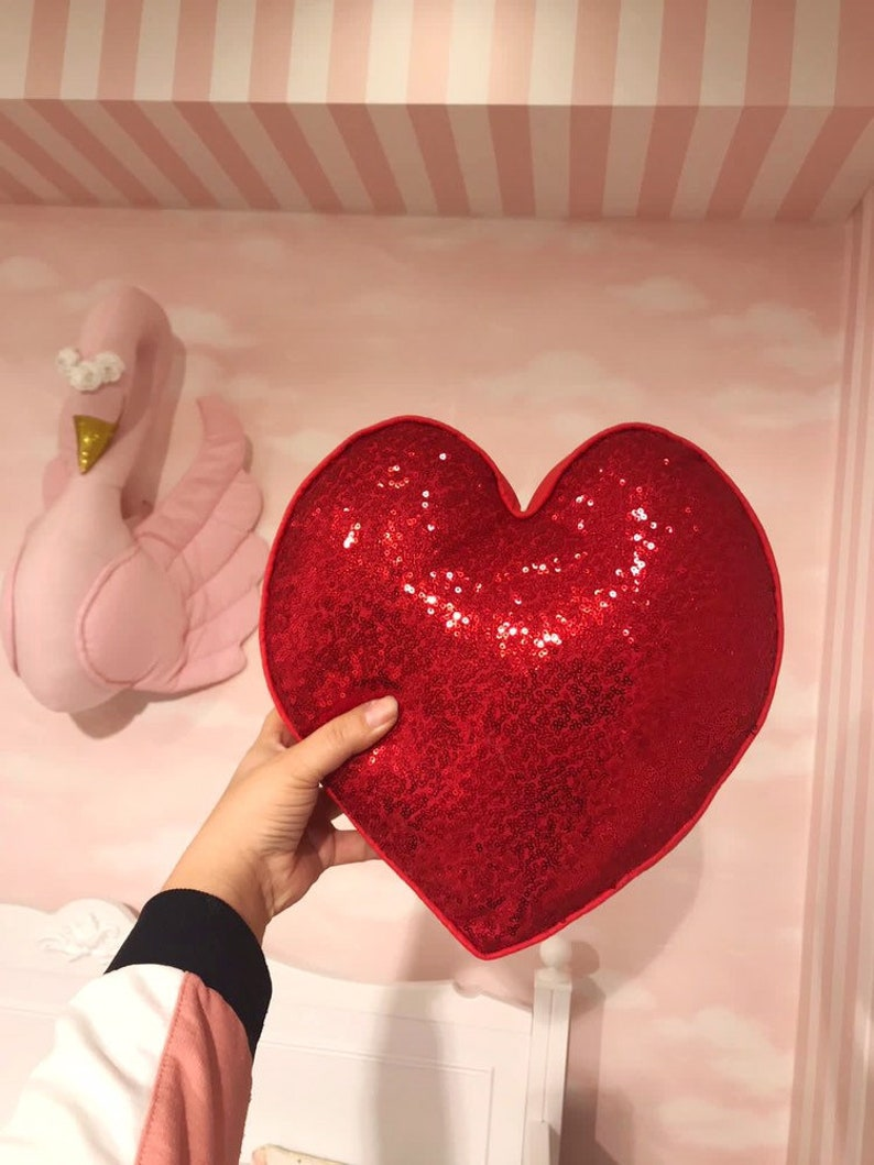 Lounge Accessory Luxury Pillow Decor Red Sparkling Pillow Case 3 Set Sequin Flower Heart Star Shape Throw Pillow Sequin Floor Cushion