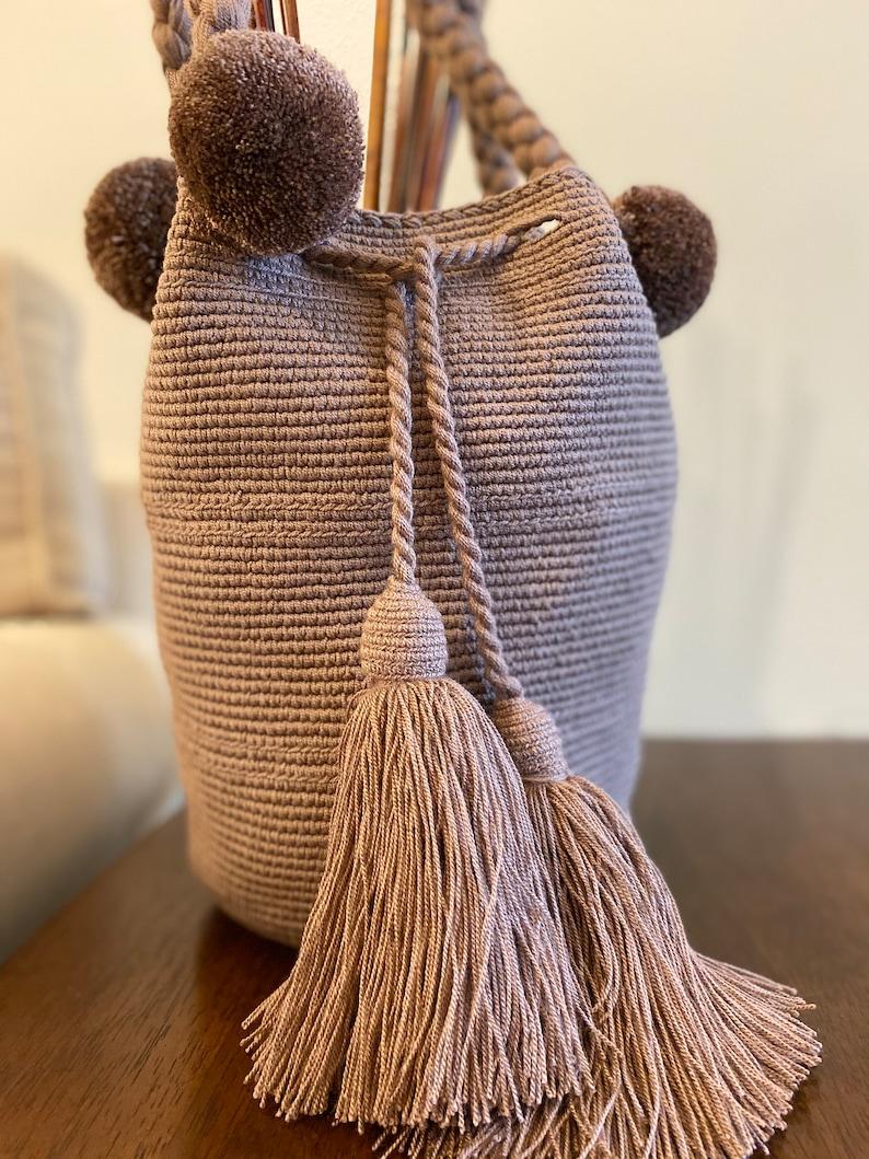 Rose Wayuu Twist Bag
