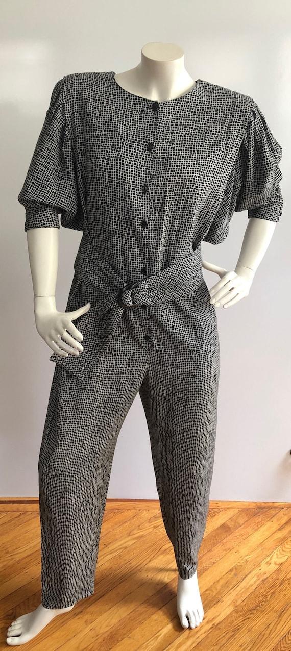 1980s Women's Vintage Black and White Jumpsuit wit