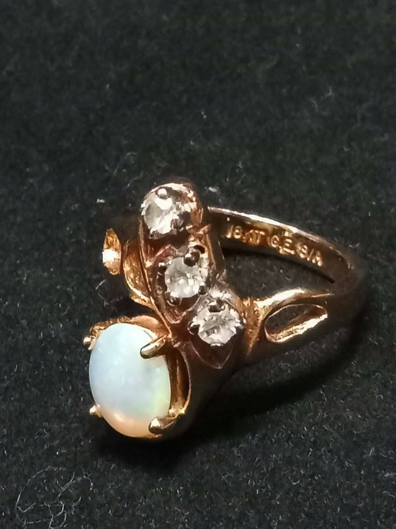 18K GE Simulated Opal and Rhinestones Ring