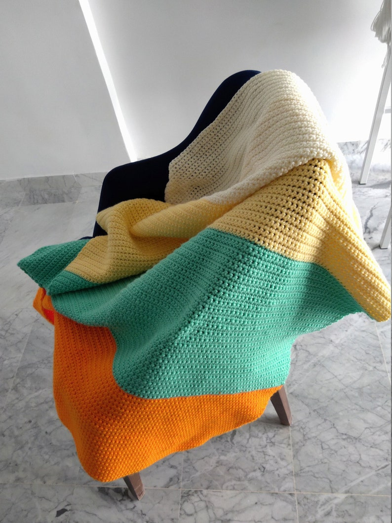 Single crochet blanket stripes image 1