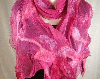Seidenschal mit Filz und Blumen, Pink Stola, leichte  Filz Schal , gefilzte Schal, Nunofilz Schal, Unikat Geschenk für Frau