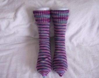 A pair of knitted wool socks in size 40/41