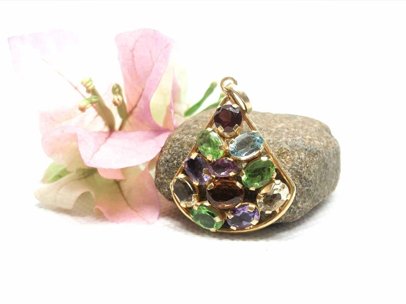 Natural Sri Lankan gems Cute jewelry for her Various Pendant designs High quality beautiful items Gemstone Pendant for Necklace