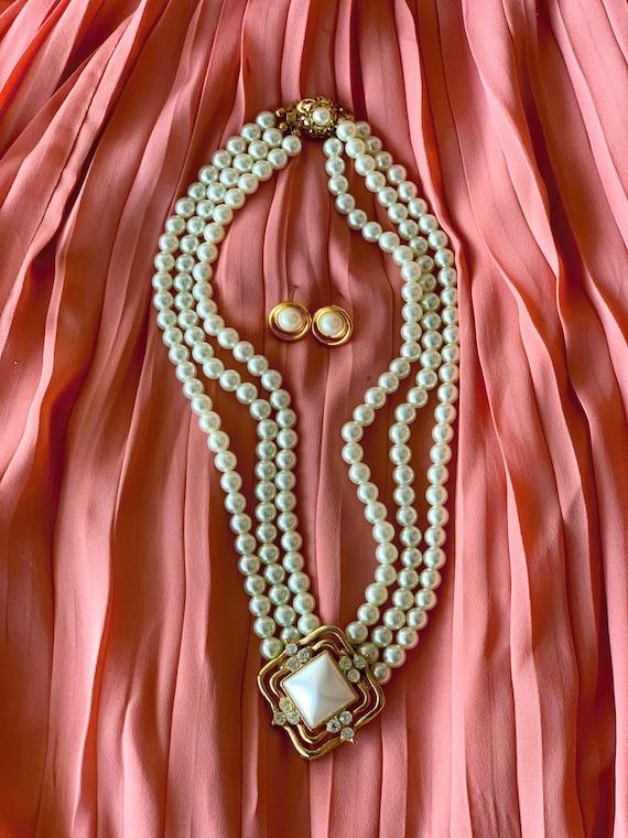 Women's Vintage Oval Pearl Set