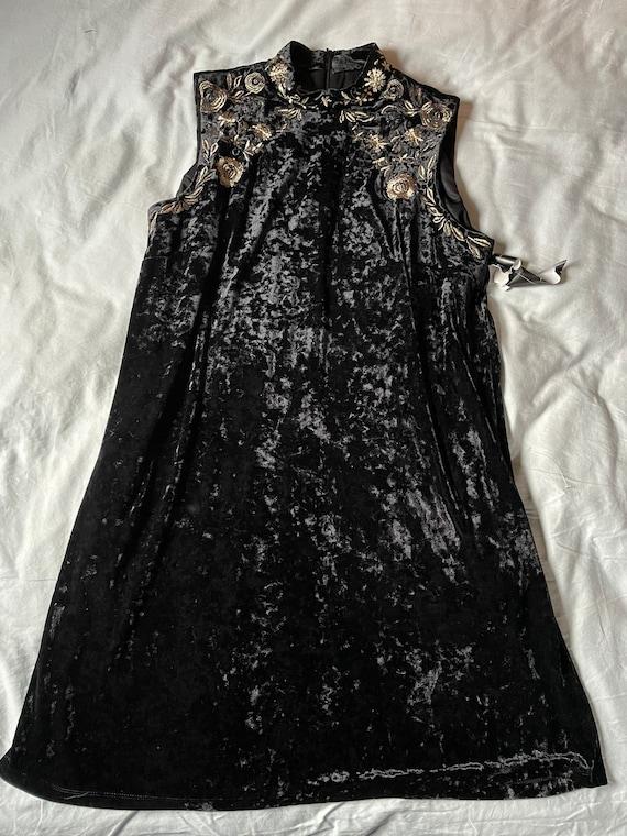 Vintage Black Velvet Embroidered Collar Dress