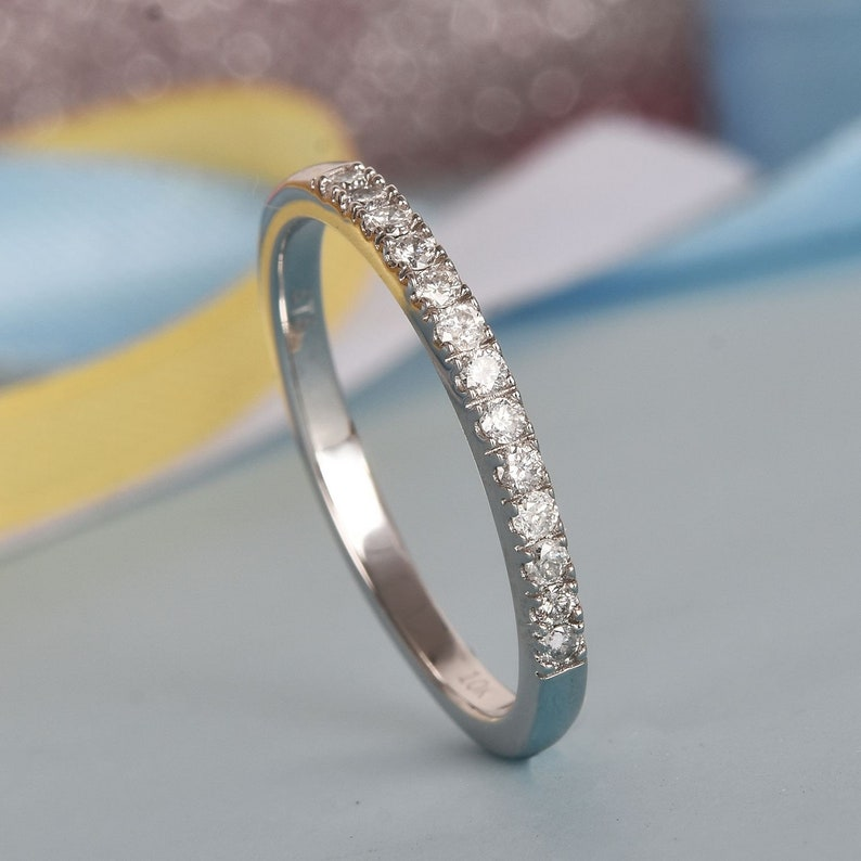 CZ stone ring,sterling silver ring,beautiful CZ stone ring,round silver ring,ring for love