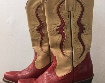 Cowboy Boots Vintage 1970s Distressed Stacked Heel Tan Whiskey Brown Women/'s size 7 12 B
