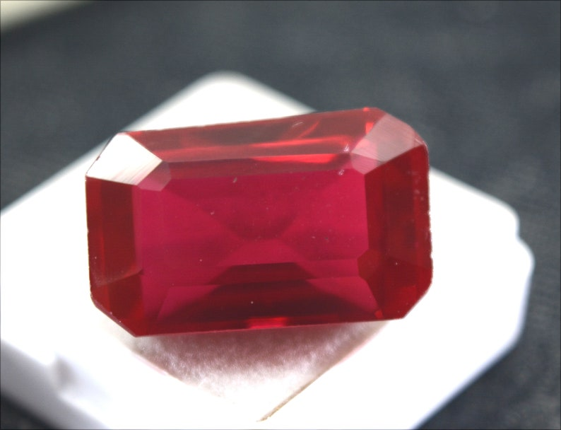R2103 Certified Natural Calibrated Burma Pigeons Blood Red Ruby Emerald  Cut VVS A+Loose Gemstone