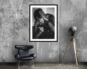 Heartbroken art print   Emotional photo art   Photography art   Black and white   Moody poster   Léon Wodtke