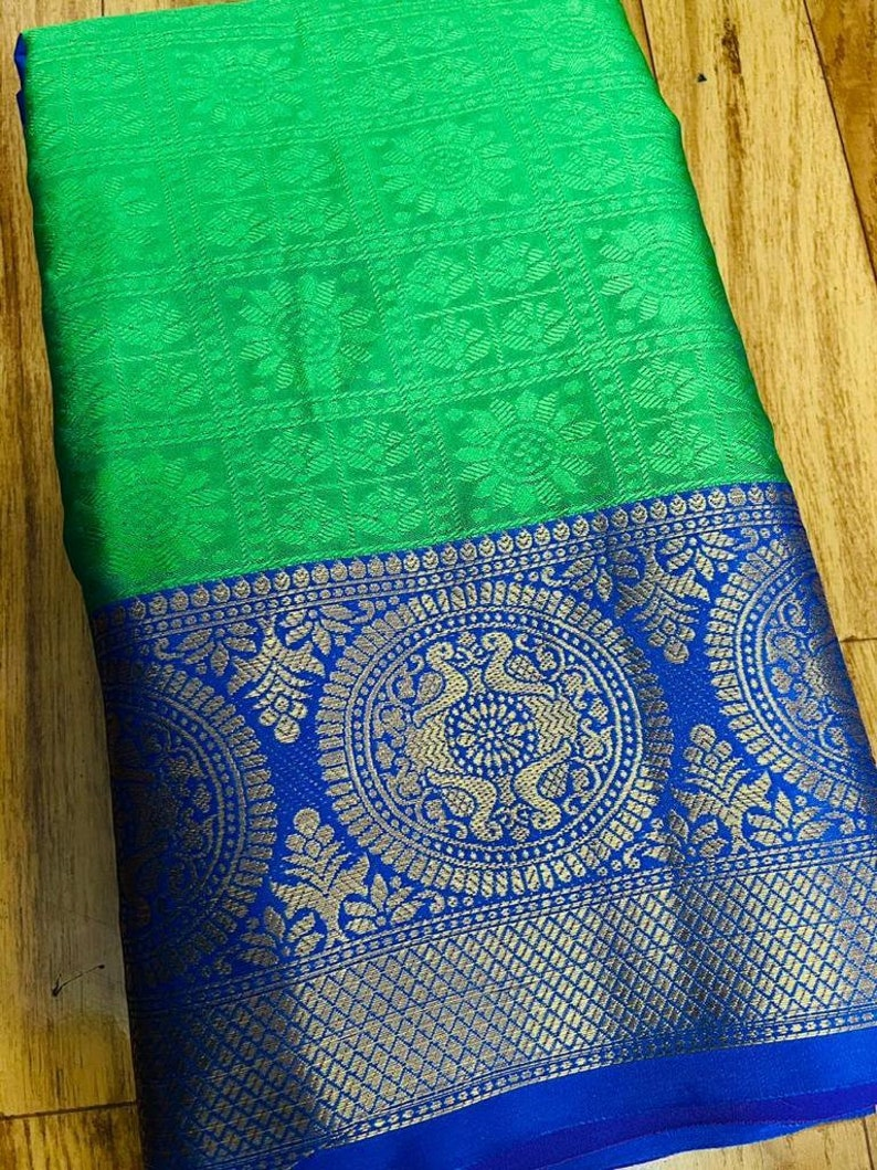 Traditional Kanchipuram Soft Silk Weaving Work Saree With Unstitched Running Blouse For Women