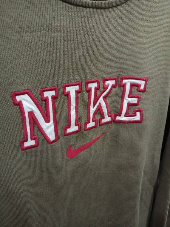 Sale...Nike Sweatshirt (SW19)