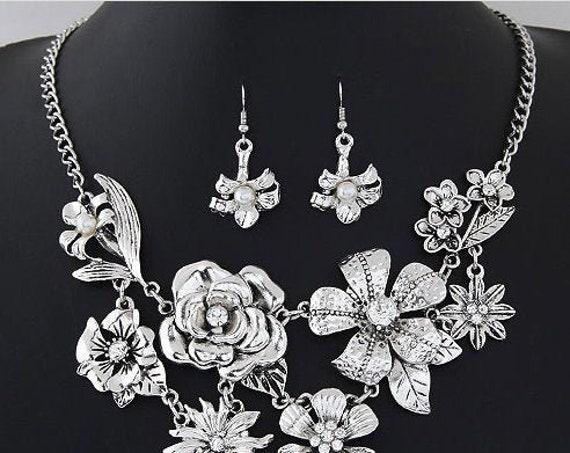The Flower Antique Necklace Set