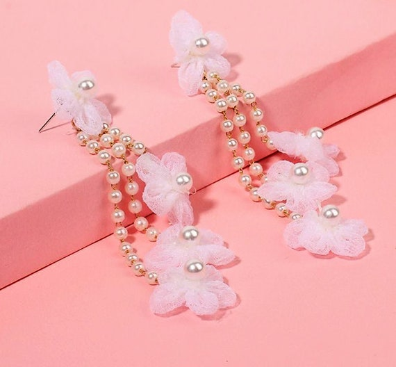 The Pearl and Chiffon Flower Earring