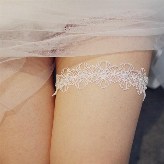 The Simple Lace & Faux Pearl Bride's Secret