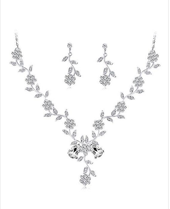 The Flowered Diamond Necklace Set