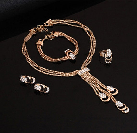 The Rose Gold Necklace Set