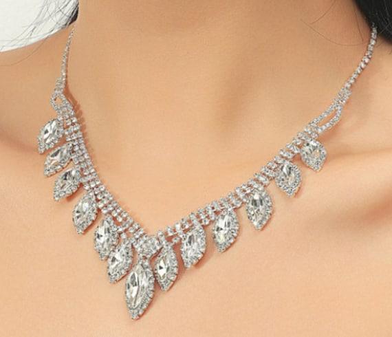 The Clara Tear Drop Necklace Set
