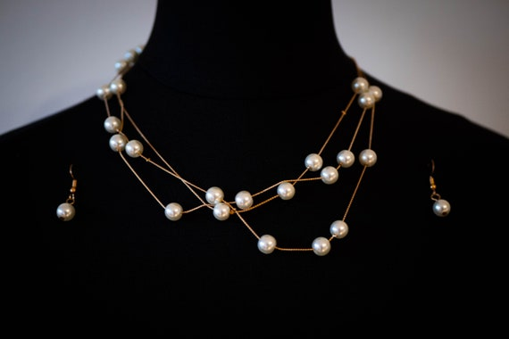 The Two Tiered Beaded Pearl Necklace Set
