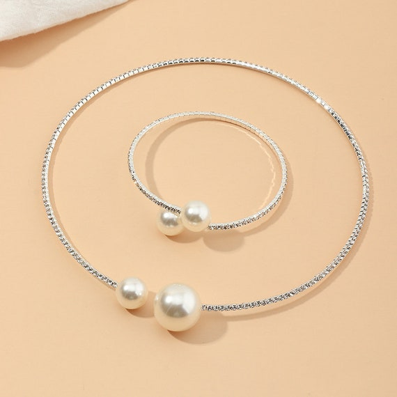 The Bangle Pearl Necklace and Bracelet Set