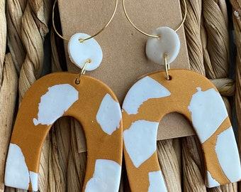 Hoop arch earrings