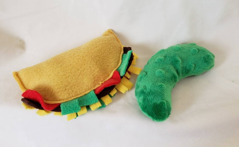Taco and pickle toys for cats or dogs image 0