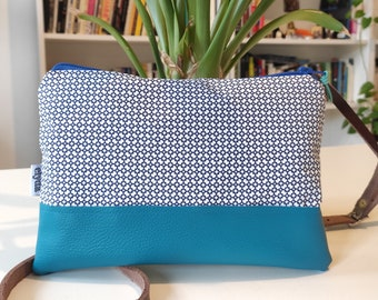 Handbag patterned fabrics and blue leather