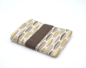 7-inch reader pouch and pocket book