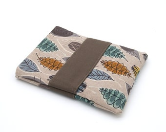 7-inch reader pouch and leaf/brown pocket book