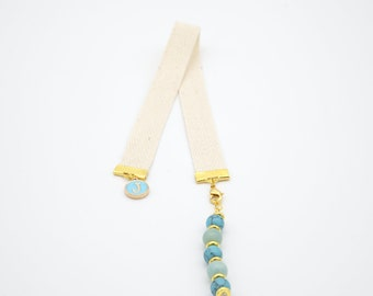 Brand-page jewel with blue beads imitation howlite and blue letter charm, gift idea reader or reader