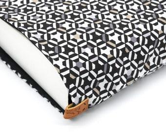 BOOK pocket XXL black geometric pattern