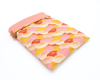 Large-format Japanese umbrella book pouch