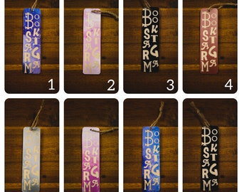 Bookmark in wood and vinyl pattern bookstagram
