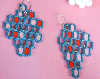 Honeycomb beaded asymmetric fabric earrings