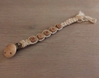 Macrame pacifier chain with name