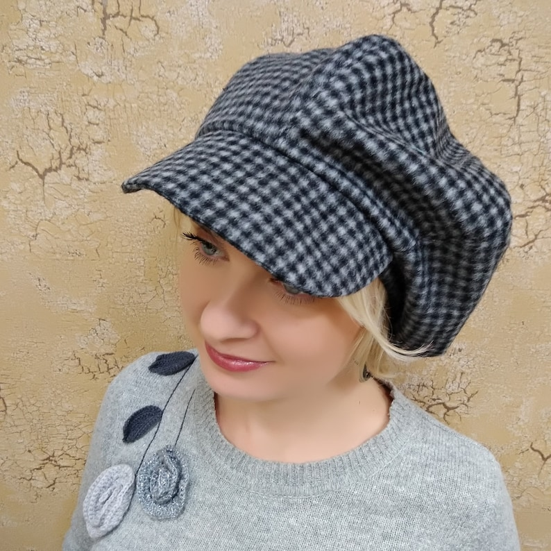 Winter wool caps Felted wool cap Checked wool hat Beret with visor