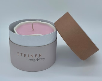 Scented candle in exclusive gift box
