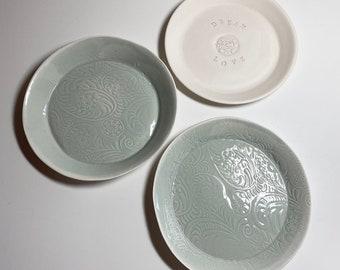 Wedding plate of porcelain / individual embossing / hand-shaped / tableware / crockery / handmade / ceramic plate / gift